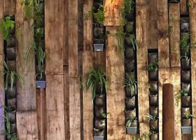 Wooden-Planter-Wall